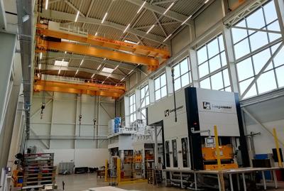 Montagehalle Hydraulikpressen