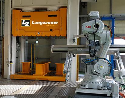 Roboter Automatisierung Pressen