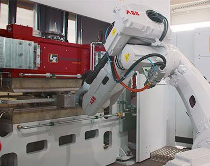 Roboter Pressenautomatisierung
